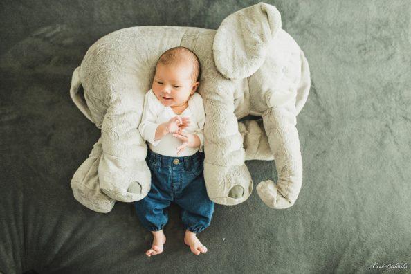 Sesja lifestyle – noworodek w domu – Maja