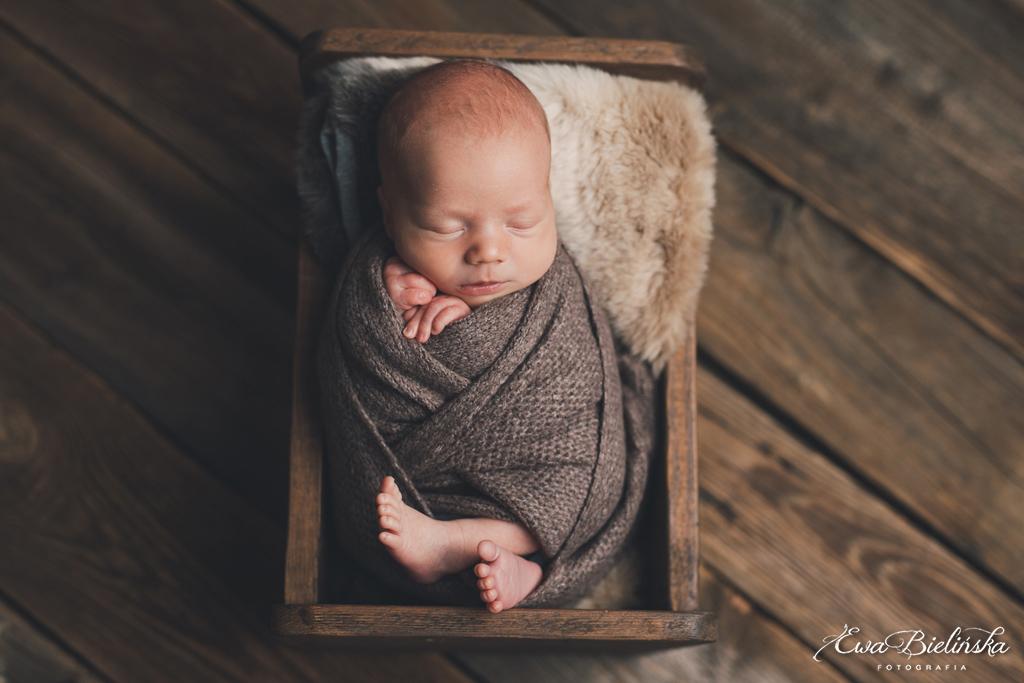 Sesja-noworodkowa-poznan-z-rodzenstwem10