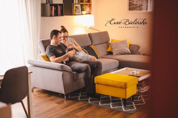 Sesja noworodkowa lifestyle czyli zdjęcia w domu maluszka